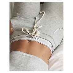 Folloω me @SEDAxALIYA Calvin Klein Outfits, Calvin Klein Jeans, Tomboy Fashion, Fashion Wear, Cute Comfy Outfits, Pretty Outfits, Couple Goals Cuddling, Summer Body Goals, Jugend Mode Outfits