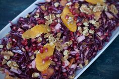 Rødkålssalat med appelsin og granatæble