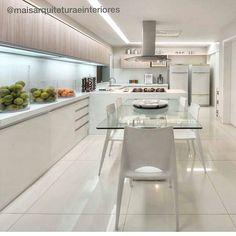 All white pra uma cozinha linda! Por Mais Interiores . . Acompanhem nossos projetos no @depaulaenobrega