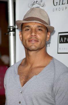 Not a huge fan of Rescue Me, but Daniel Sunjata is one hot man.