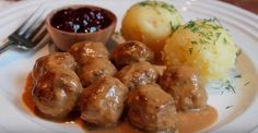 Food Wishes Video Recipes: Swedish Meatballs and the Most Under Appreciated Celebrity Chef Ever (homemade meatball recipes mom) Chef John Food Wishes, Stockholm Food, Beef Recipes, Cooking Recipes, Swedish Meatball Recipes, Albondigas, Beef Dishes, Food Videos, Carne