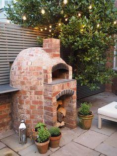 Oven Diy, Verge, Pizza Oven Outdoor, Outdoor Brick Pizza Oven, Wood Oven Pizza, Brick Grill, Brick Ovens, Modern Outdoor Pizza Ovens, Pizza Oven Fireplace