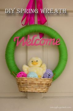 Easy Easter Wreath to make with the kids! They loved it and it's adorable!