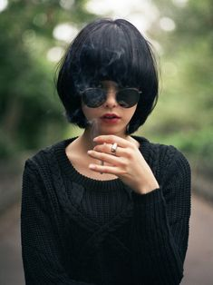 She looks like an idiot with that cigarette. Short Bob Haircuts: Hottest Bob Hairstyles of 2014 - Pretty Designs Bob Haircuts For Women, Short Bob Haircuts, Bob Black, Short Dark Hair, Straight Hair, Long Bangs, Thick Bangs, My Hairstyle, Hairstyle Ideas