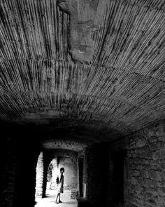 Y como dice una bonita canción, si existe sombra es porque siempre hubo luz!! #raw77fotografia #castrourdiales #cantabria #cantabriainfinita #fotografobilbao #fotografolarioja #fotografocantabria #fotografobodascantabria #prewed #prewedding #preboda #prebodas #tuneles #túnel #sombras #shadows #blancoynegro #blackandwhite #novias #bride #luz #solysombra http://gelinshop.com/ipost/1522272146666361748/?code=BUgMnO5hROU