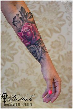 Zakvitnutá cukrárka #art #tat #tattoo #tattoos #tetovanie #original #tattooart #slovakia #zilina #bodliak #pink_tattoo #bodliaktattoo #bodliak_tattoo #roses #roses_tattoo