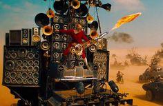 Photo du film Mad Max: Fury Road réalisé par George Miller, d'après un scénario de Nick Lathouris, Brendan McCarthy et George Miller, avec Tom Hardy, Charlize Theron, Nicholas Hoult, Rosie Huntington-Whiteley Adelaide Clemens et Zoë Kravitz