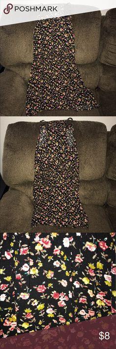 Mossimo Black Floral Dress Size Medium Mossimo Black Floral Dress Size Medium! Cute summer dress! Good condition!! No Trades! No Merc!! Mossimo Supply Co Dresses