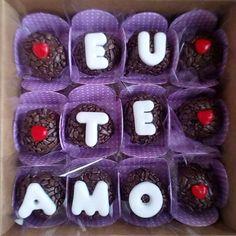 Demonstre seu amor em forma de brigadeiro. 😋😍 Bom dia!! #brigadeiros #chocolovers #instagood #instalike #iloveu