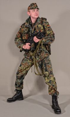 Military - uniform German soldiers flecktarn - 02 by MazUsKarL Military Police, Military Art, Military History, Camo Gear, Battle Dress, German Uniforms, Army Uniform, Military Equipment, Action Poses