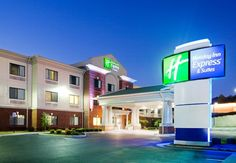 Holiday Inn Express & Suites Rocky Mount/Smith Mtn Lake gives you easy access to nearby corporate businesses and great Virginia attractions. Enjoy top notch amenities while taking time to see all the wonderful things Smith Mountain Lake has to offer. Virginia Attractions, State Holidays, Rocky Mount, Dog Friendly Hotels, Hotel Suites, Beautiful Hotels, Best Location, Hotel Deals, Dog Friends