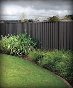 With a huge range of sheet styles, high quality, Good Neighbour Fencing looks great on both sides of the fence. Strong, easy to build fencing in a wide range of colours. Garden Fence Paint, Fence Plants, Garden Fencing, Garden Mural, Fence Landscaping, Backyard Fences, Backyard Ideas, Back Gardens, Outdoor Gardens