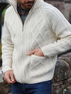 JXG Men Knit Round Neck Christmas Print Long Sleeve Pullover Slim Sweater