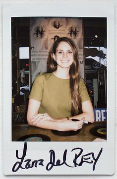 Lana Del Rey- she looks so naturally beautiful and radiant here! Lana Del Ray, Elizabeth Woolridge Grant, Elizabeth Grant, Queen Elizabeth, Mtv, Pretty People, Beautiful People, Brooklyn Baby, Instant Camera