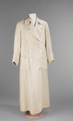 Duster  Date: 1900–1915. A duster is a long linen or cotton garment worn to protect a driver from dust