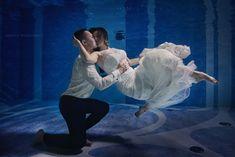 Podwodna sesja ślubna   Krawcy Wizerunku Underwater, Ballet Skirt, Skirts, Fashion, Moda, Tutu, Fashion Styles, Under The Water, Skirt