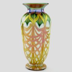 ** Quezal Art Glass and Decorating Company (1901-1924), Iridescent Glass Vase.