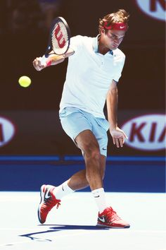 Roger Federer @JugamosTenis Rafael Nadal, Roger Federer, Maria Sharapova, Serena Williams, Tennis Rules, Tennis Photos, Tennis Funny, Tennis Legends, Tennis World