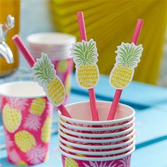 Pineapple straw toppers - perfect for a flamingo party, pineapple party or summer party theme.