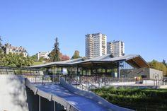 Indoor pool in Pau (France) by Brochet Lajus Pueyo (Bordeaux) Contractor : Zinc Adour, Copyright : Paul Kozlowski  #QuartzZinc #Architecture #Zinc #VMZINC #Roofing #SwimmingPool #IndoorPool #France #CompactRoof