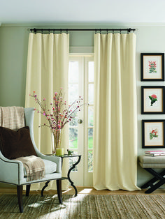 Clip-ring Curtains: The Case is Open and Shut. Read a few tips on hanging clip-ring or pinch-pleat curtains at Home & happiness! #cliprings #curtains #countrycurtains