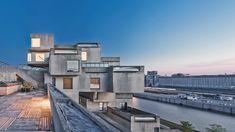 The duplex apartment that architect Moshe Safdie designed for himself in his brutalist Habitat 67 complex in Montreal has opened to the public, after a major restoration completed by his firm. Public Architecture, Industrial Architecture, Amazing Architecture, Interior Architecture, Architectural Digest, Watercolor Architecture, Brutalist, Modern Buildings, Habitats