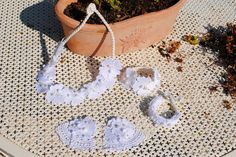 Accessories lace with pearls