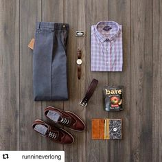 Double tap if you'd wear this at work on a Friday!  #Repost @runnineverlong (@get_repost)  Casual Friday has arrived.  Today Im going business casual though to mix it up. This is where @billskhakis helps me look sharp today!  Ready for the weekend and spending some time with the family.  Its been a busy week.  Wallet: @sutrofootwear  Chinos: @billskhakis  Watch: @danielwellington  Socks: cant remember   Belt: @billskhakis  Shoes: @mercantishoes  Notebook Cover: @galen_leather  Notebook…