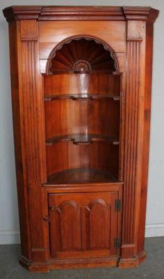 Bon 81: Antique American Pine Corner Cabinet. : Lot 81