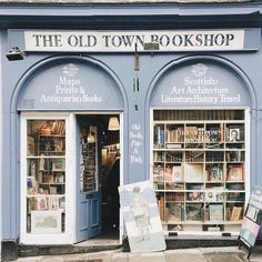 — The Old Town Bookshop Book Aesthetic, Urban Aesthetic, Retro Aesthetic, Home Libraries, Shops, Old Books, Book Nooks, Love Book, Art And Architecture