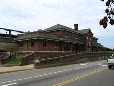 Old Train Depot, Fredericksburg, VA Fredericksburg Station was originally built in 1910 by the Richmond, Fredericksburg and Potomac Railroad, as a replacement for an older ground level station house.[3] The RF&P arrived in Fredericksburg as far back as January 1837. A former Virginia Central Railway Depot can be found on adjacent tracks two blocks to the west on the southwest corner of Lafayette Boulevard and Charles Street