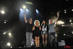 Little Big Town is one of my all time favorite groups.  They are just awesome.  Front Porch Thing is just so great!