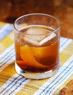 Ciderhouse Whiskey a classic combo of bourbon and #cider with a bit of a twist from @SAVEURMAG. Falling in love with #FallCocktails