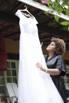♥♥♥  Dica quente: Como comprei meu vestido de noiva importado Sabe aquela noiva indecisa, que experimentou muitos vestidos e desejou todas as inspirações que viu na internet? Prazer, Marry! Eu fui exatamente as... http://www.casareumbarato.com.br/dica-quente-como-comprei-meu-vestido-de-noiva-importado/