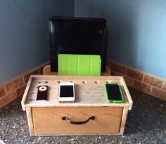 Charging/Docking Station from Recycled Pallets by PicketCreations on Etsy https://www.etsy.com/listing/176606777/chargingdocking-station-from-recycled