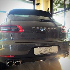 Natural pic. Macan Grey #macan#porsche#porschemacan#porscheclub#porschelove#luxury#luxurycar#carsofinstagram#instacar#cars#auto#autodilusso#autonuove#autokm00#automobile#automotive#showroom#showcar#wheels#suv#fast#drive  http://blog.fmcarsrl.com/wp-content/uploads/2015/11/10954809_1004511869571389_1135345946_n.jpg http://blog.fmcarsrl.com/index.php/2015/11/11/natural-pic-macan-grey-macanporscheporschemacanporscheclubporscheloveluxuryluxurycarcarsofinstagraminstacarca