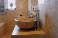 Einbaubeispiel Waschbecken Roma aus Travertin