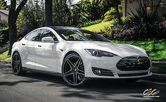 22 inch CEC Wheels on the Tesla Model S