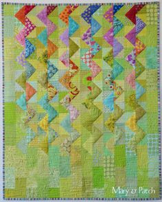Maryandpatch, Baby quilt, Glycines pour Eline (Wisteria for Eline). First attempt to free motion machine quilting!... Zig zag made with HST.: