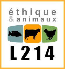 """CECI N'EST PAS UN CAS ISOLÉ !!! Après Alès et Le Vigan, ces images tournées à l'abattoir de Mauléon-Licharre dans les Pyrénées-Atlantiques montrent de nouveau l'extrême violence de la mise à mort des animaux. """"Dignité, respect, étourdissement... #abattoirmadeinfrance #certifiébio #cruaute"""