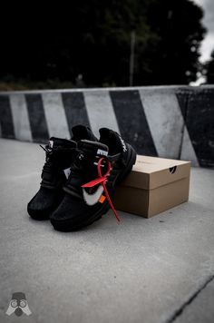 Off White Presto, Nike Shoes, Shoes Sneakers, Off White Shoes, Nike Wallpaper, Nike Presto, Outdoor Halloween, Bape, Hypebeast