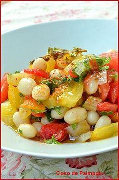 """750g vous propose la recette """"Salade de cocos de Paimpol rafraîchis à la tomate""""…"""