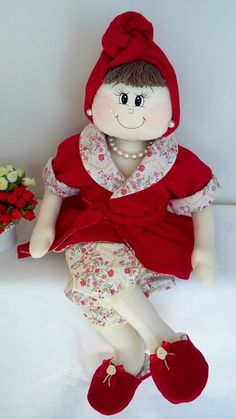 Pode ser feita em outras cores . Girl Doll Clothes, Girl Dolls, Sewing Projects, Projects To Try, America Girl, Pretty Dolls, Doll Patterns, Diy And Crafts, Holiday Decor