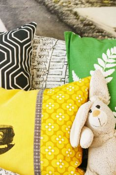 { Det nye BARNEROMMET } Line Photo, Yellow Line, Of Wallpaper, Nye, Throw Pillows, Colors, Kids, Young Children, Cushions