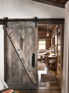 "Rustic cabin barn door - ""A Boyhood Dream Comes True"" with this Montana cabin - . Rustic cabin barn door – ""A Boyhood Dream Comes True"" with this Montana cabin – Cabin Life Journal Log Home Interiors, European Home Decor, Log Cabin Homes, Log Cabins, Barn Homes, Home Design, Interior Design, Interior Paint, Rustic Interior Doors"