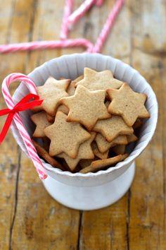 As Minhas Receitas: Estrelas de Baunilha e Canela Christmas Cooking, Christmas Desserts, Cupcake Cookies, Cupcakes, Fudge Recipes, Cookie Recipes, Delicious Desserts, Yummy Food, Portuguese Desserts