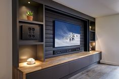 Tv Feature Wall, Feature Wall Living Room, Living Room Built Ins, Home Living Room, Home Cinema Room, Home Theater Rooms, Tv Wall Design, House Design, Living Room Entertainment Center