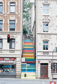 Fajne schody w Wuppertal 🙂 Akrylowa farba. Horst Glasker For English readers: Cool stairs in Wuppertal. Acrylic paint on 112 steps. Each color express different emmotion. Banksy, Wuppertal Germany, Urbane Kunst, Street Art Utopia, Street Graffiti, Painted Stairs, Painted Staircases, Stairway To Heaven, Stairway Art
