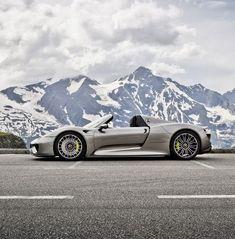 Porsche 918 Spyder, photo by Stefan Bogner Porsche Panamera, Porsche Autos, Porsche Cars, Porsche Classic, Porsche Cayenne, Automotive Industry, Automotive Design, Diesel Fuel, Hot Rides