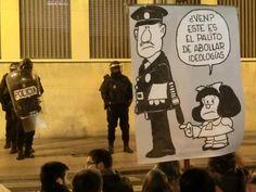 Algunos altos mandos policiales de este país deberían leer las tiras de Mafalda y darse cuenta de que el 'palito de abollar ideologías' sólamente sirve para que cada vez creamos más en ellas.
